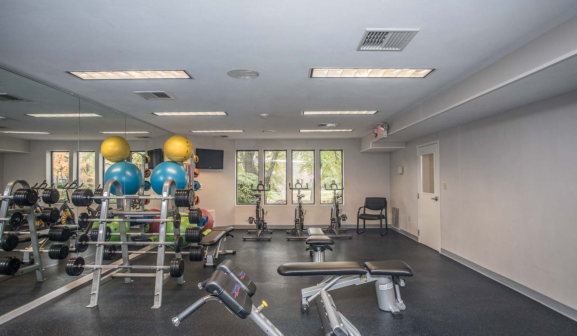 Royal Crest Estates - Nashua - Gym