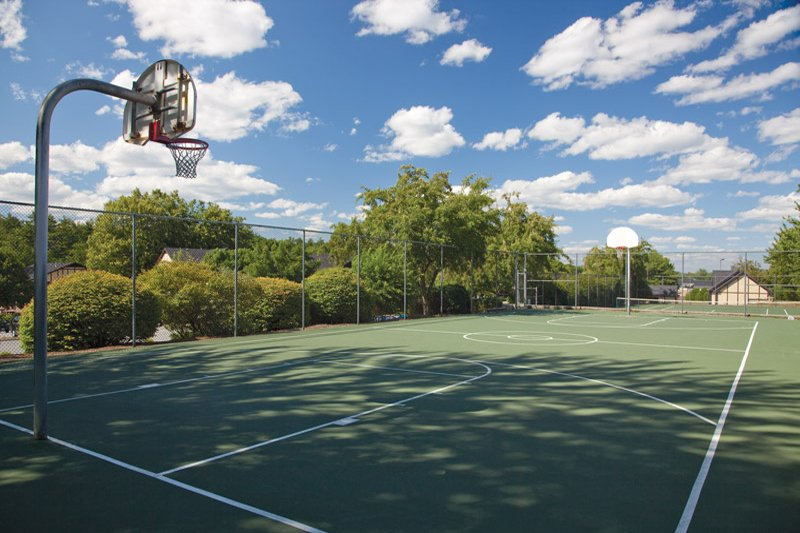 Basketball/Tennis Courts:View Photo